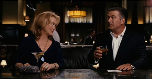 pas si simple meryl streep et alec baldwin au bar zoom. Black Bedroom Furniture Sets. Home Design Ideas