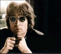 une photo de John Lennon
